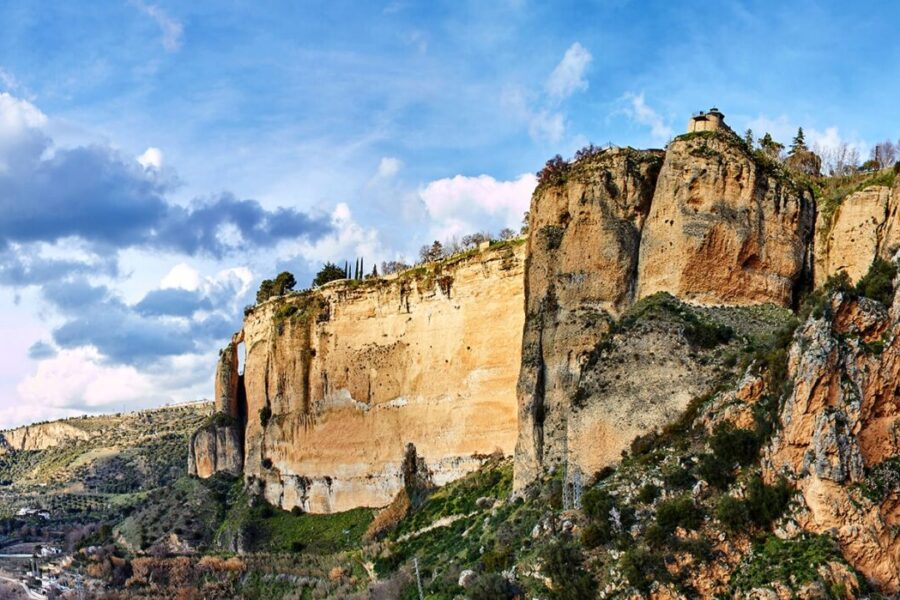 Top 5 places to discover on the Ronda Road