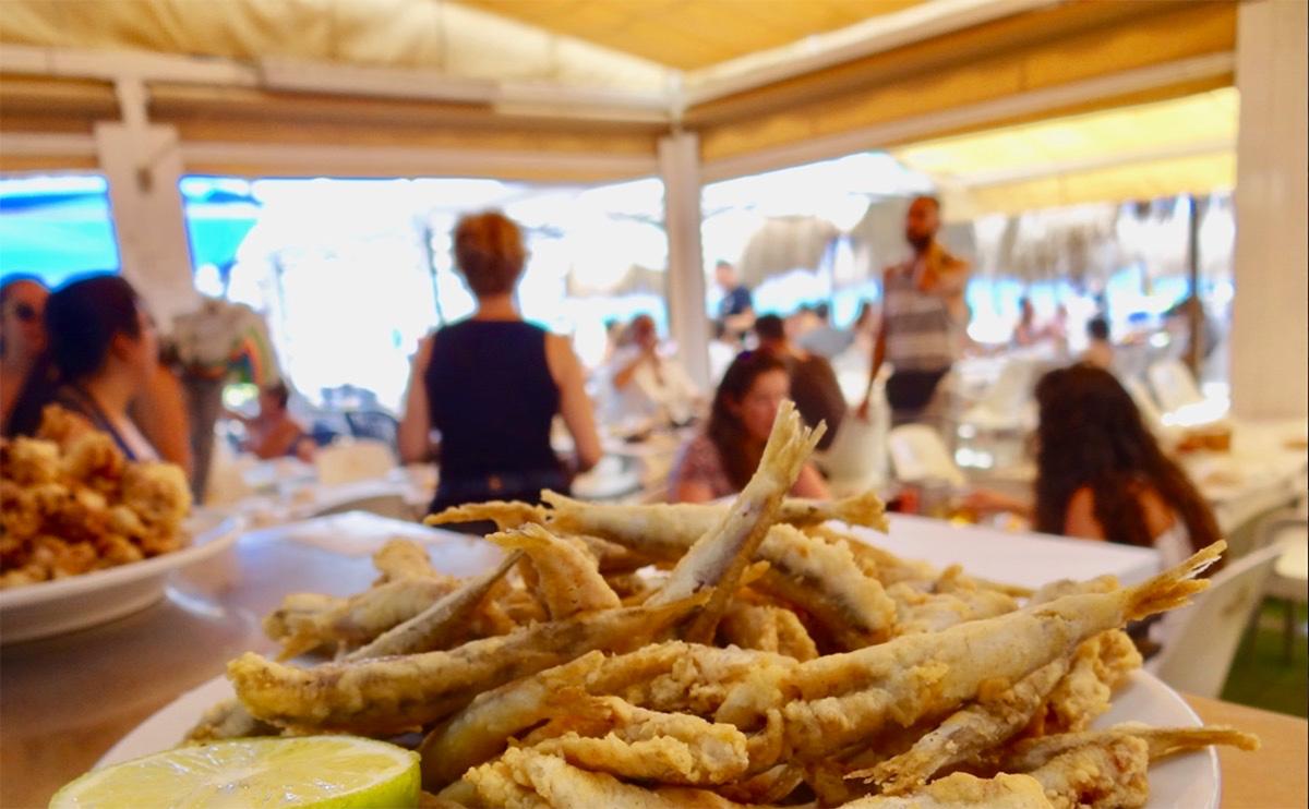 This is the best beach bar in Málaga to eat fresh fish