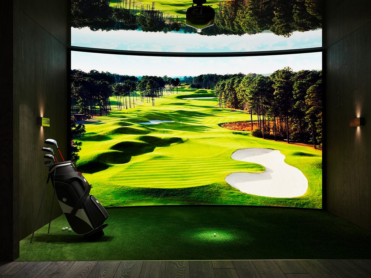 Something for golf fans: a state-of-the-art golf simulator