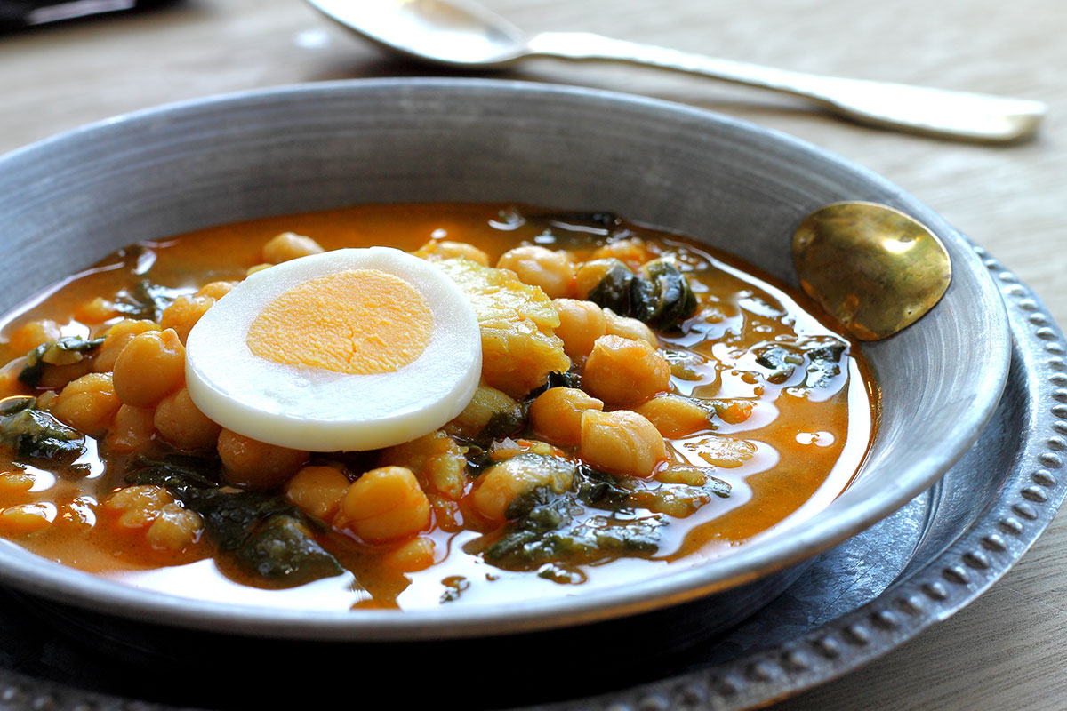 Potaje de garbanzos con espinacas y bacalao - soup