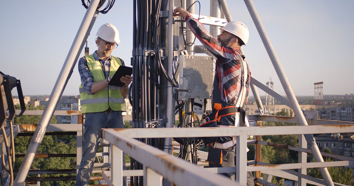 Engineers working on 5G antenna