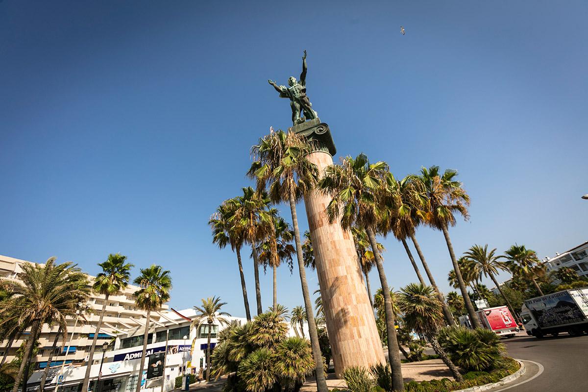 The Statue of Victory, by Zurab Tsereteli at the end of Av. de las Naciones Unidas in Puerto Banús