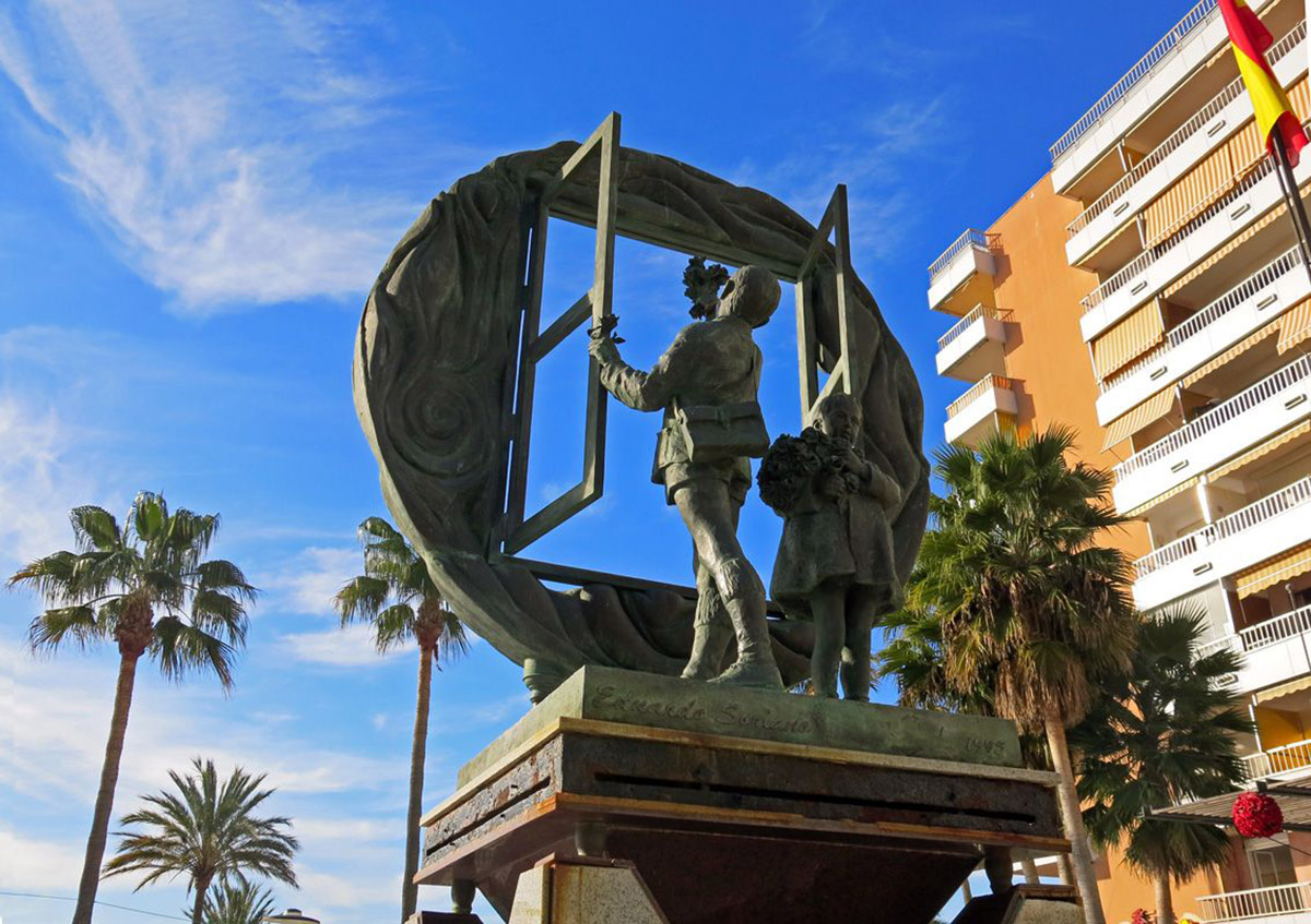 Monument to the Freedom of Expression, by Eduardo Soriano
