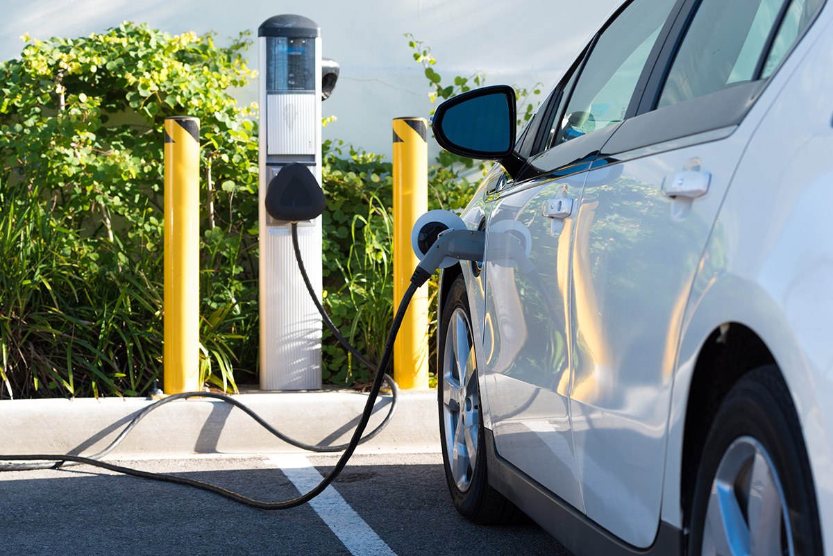 More facilities are appearing in Spain to encourage the use of electric cars
