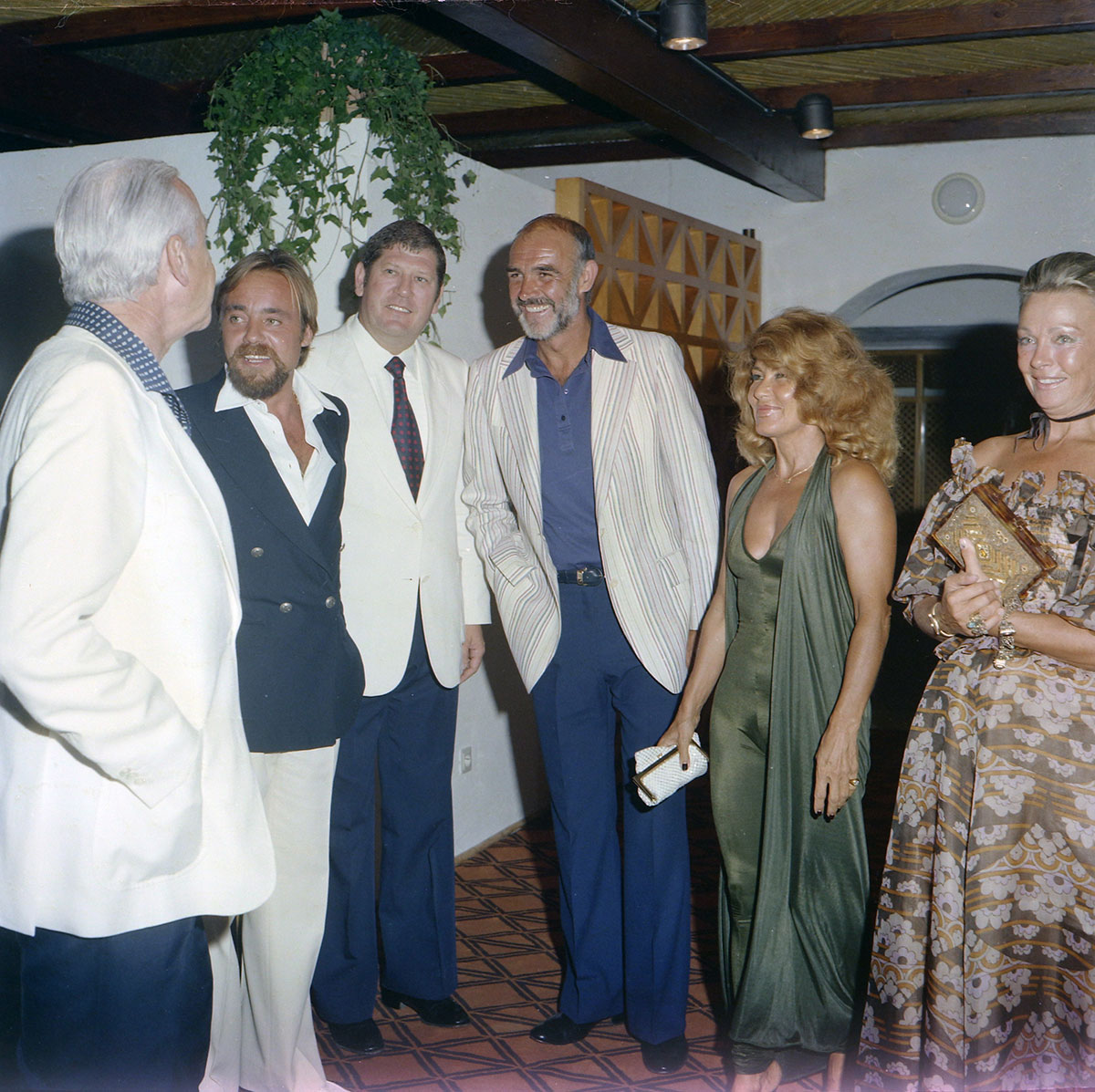 Sean Connery arrives at the Puente Romano hotel